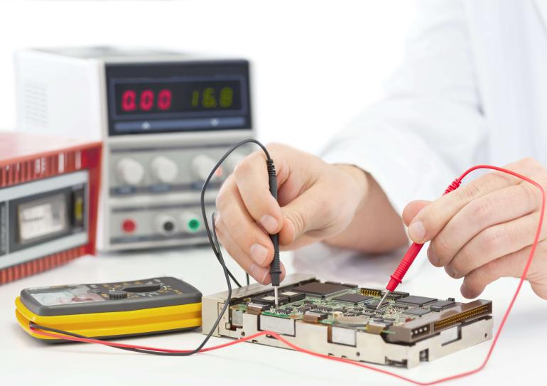 Сколько получает инженер электроник