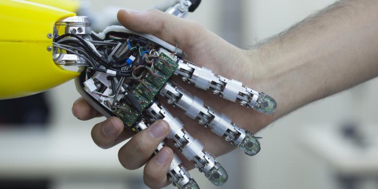 Сколько получают робототехники