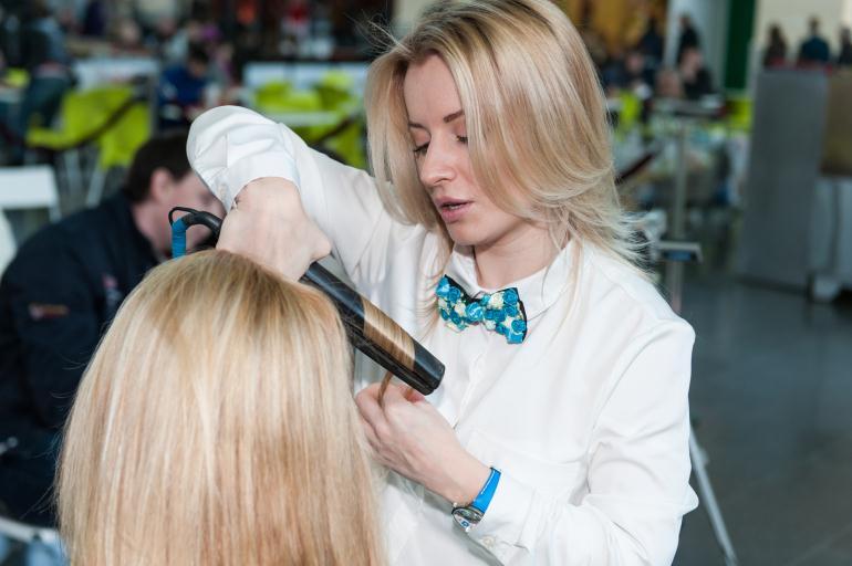 Стилист-парикмахер