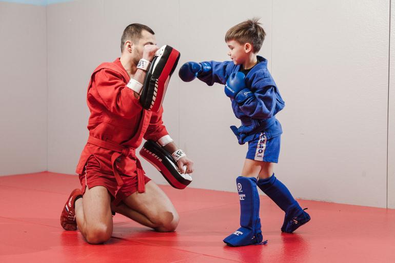 Тренер по борьбе самбо