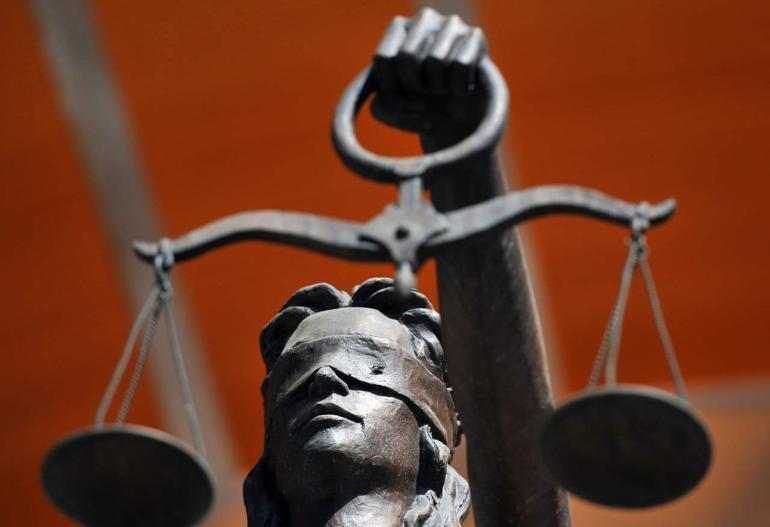 Сколько зарабатывает судья областного суда