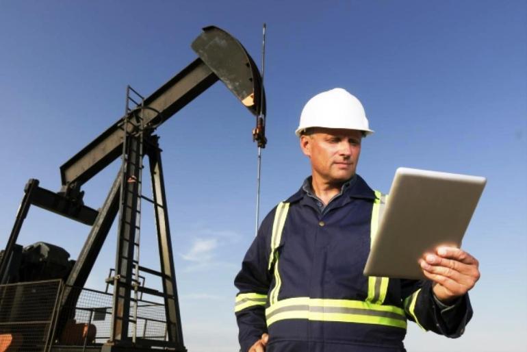 Сколько зарабатывает инженер нефтяник
