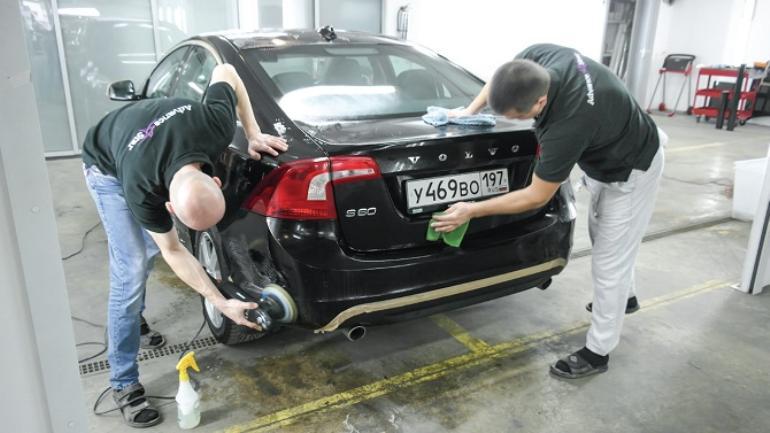 Специалист по полировке авто