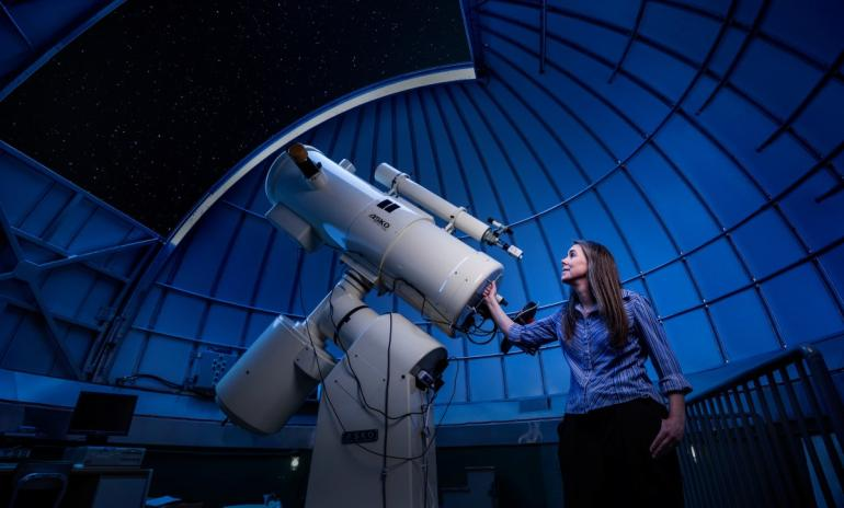 Сколько зарабатывает астроном
