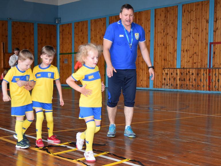 Тренер в спортивной школе