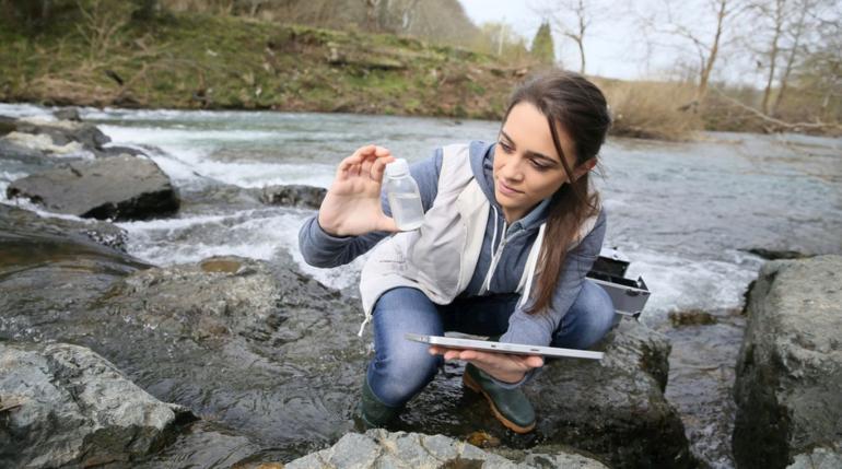 Гидрогеолог