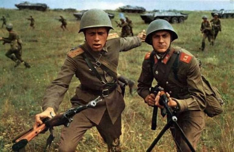 Солдат срочной службы СССР