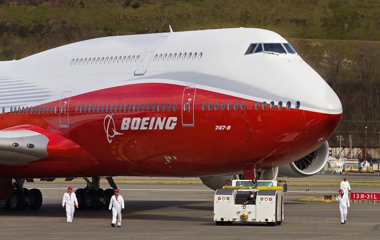 Боинга-747-8Intercontinental