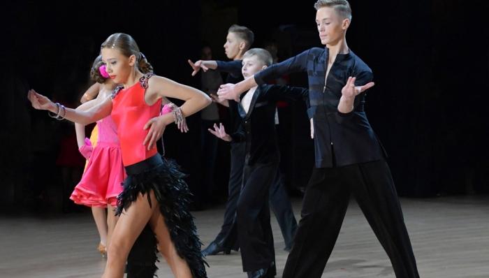 Работа танцором в москве работа онлайн починок