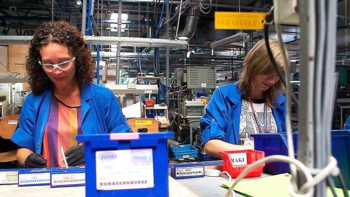 работа на заводе для девушек в москве
